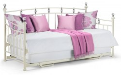 1528466156_sophie-daybed